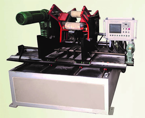 Stereoscopic triangle(3D) roll core winding machine